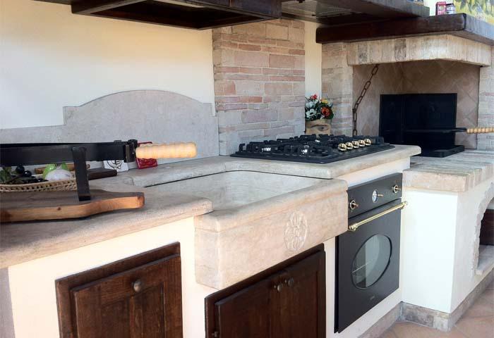 Cucina Economica A Legna In Muratura.Cucina In Muratura Con Caminetto Cucine In Muratura